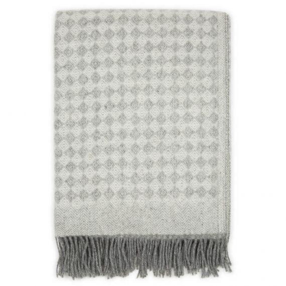 Decke aus Neuseelandwolle Schurwolle Saga Hell Grau