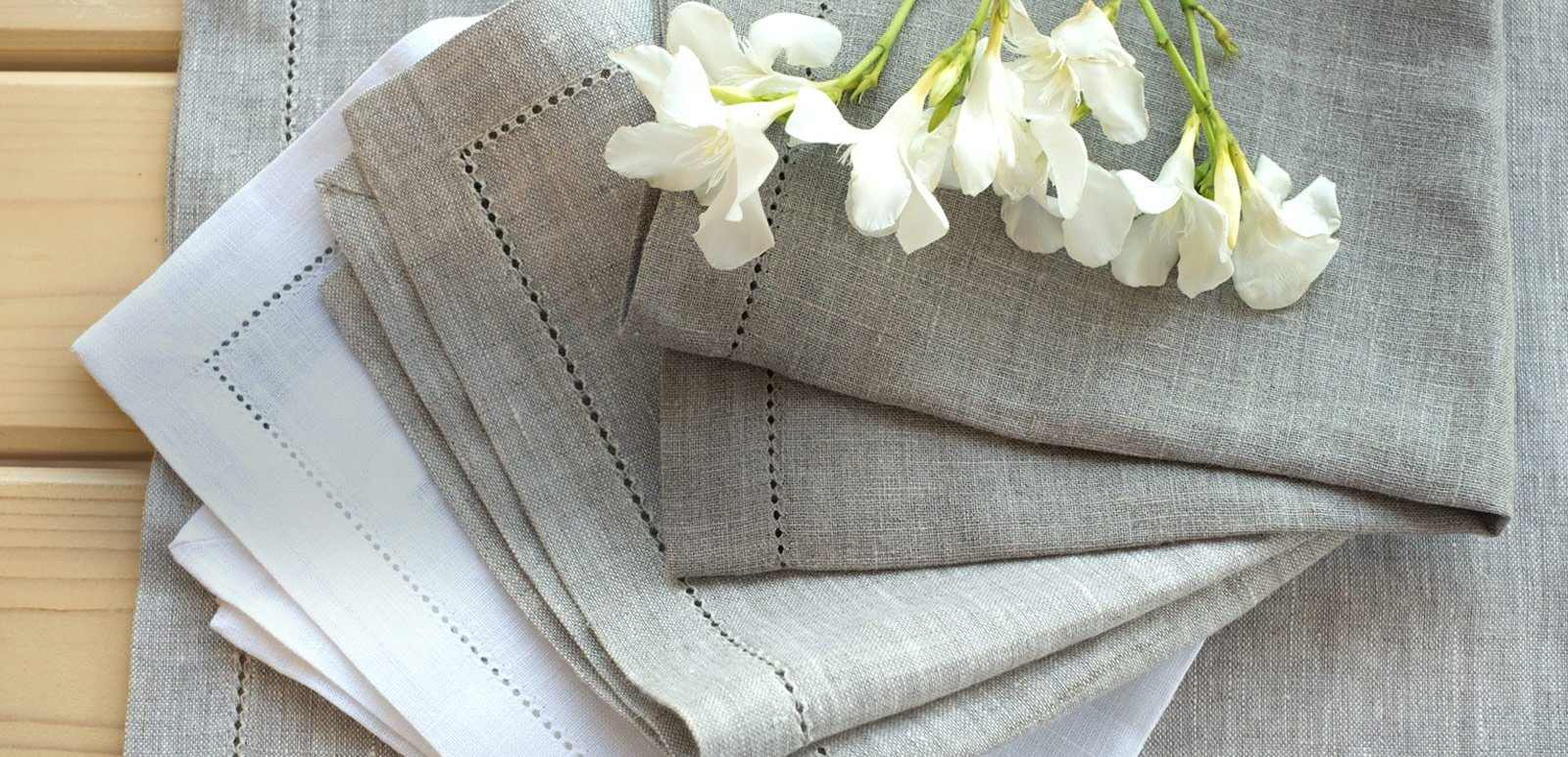 HEMSTITCH TABLE LINEN 