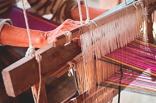 Hands & looms: linen handloom from the days passed