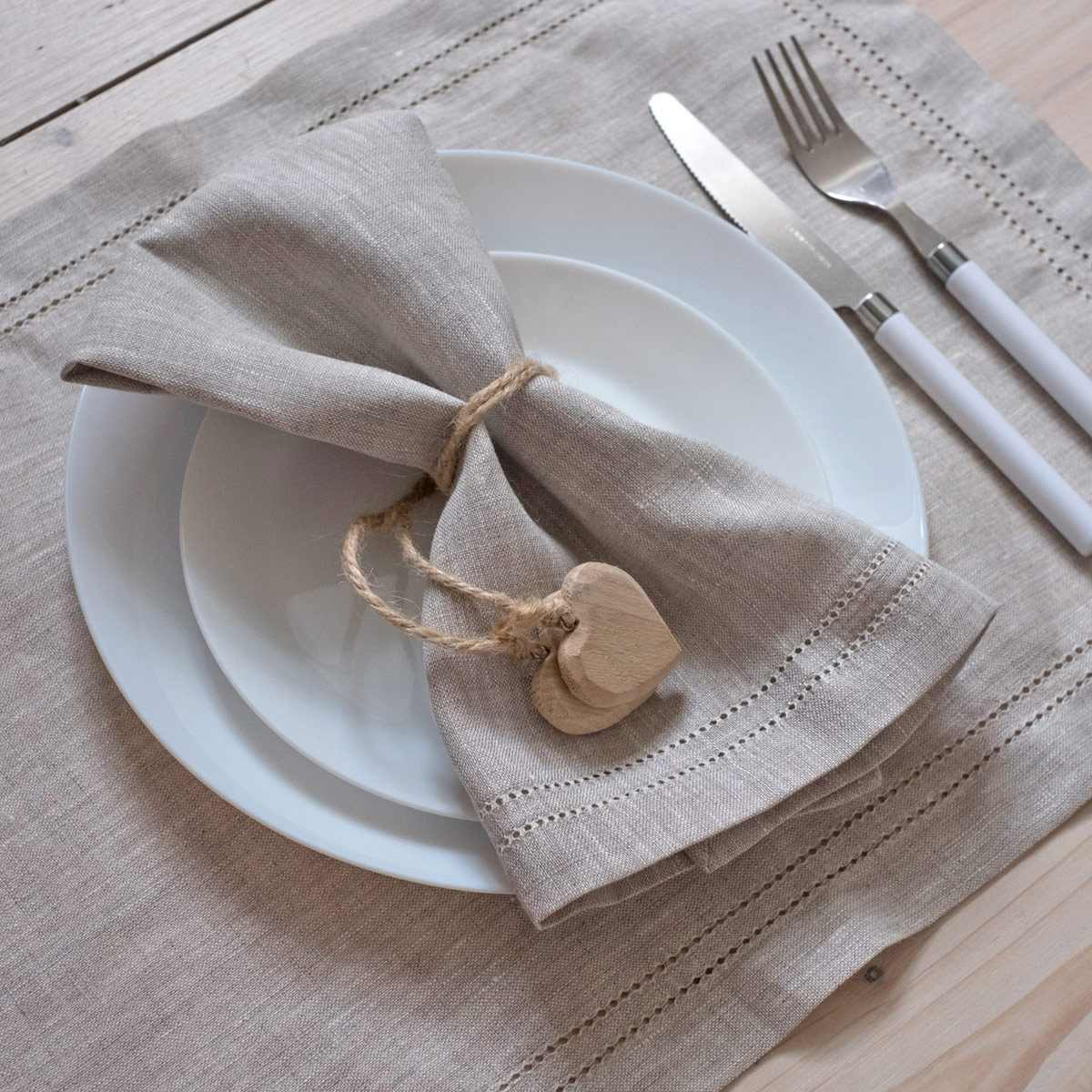 leinen servietten mit hohlsaum elbla hell natur. Black Bedroom Furniture Sets. Home Design Ideas